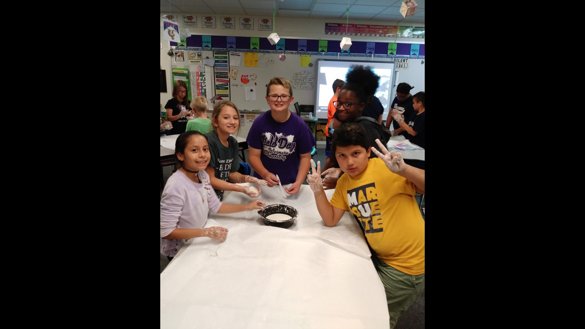 5th Graders Making Oobleck
